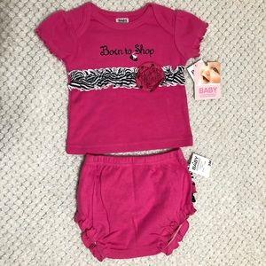 💜2 piece baby girl shirt/ruffle short set 3m NWT